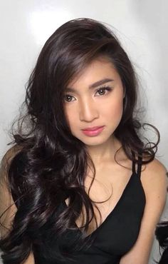 Filipino Women Dating. Filipina Beauty, Filipina Makeup, Prettiest Actresses, Nadine Lustre, Asian Hair, Hair Highlights, Girl Crushes, Makeup Looks, Curly Hair Styles