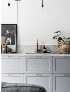 FOR THE HOME || Grey cabinetry, marble bench tops & copper tap ware || NOVELA BRIDE...where the modern romantics play & plan the most stylish weddings... www.novelabride.com @novelabride #jointheclique