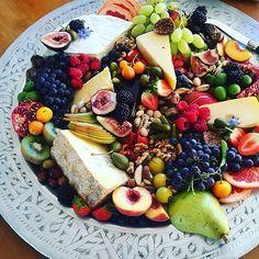 Just needs a little wine.... this platter by @plattersxrosie