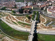Madrid Río Wins Harvard's Veronica Rudge Green Prize in Urban Design / @archdaily   #socialspaces #socialcities