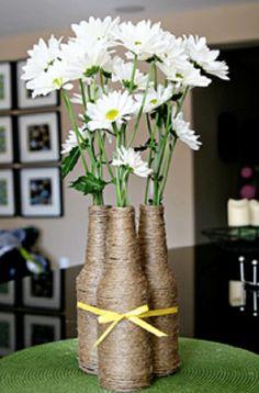DIY home decor crafts :DIY Vase : (diy tutorial giveaway) upcycled izze bottle flower vase wedding center peices? Diy Home Decor Projects, Decor Crafts, Diy Crafts, Deco Champetre, Deco Floral, Bridal Shower Rustic, Wine Bottle Crafts, Deco Table, Decoration Table