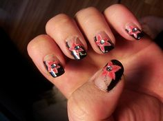 Starfish or flower? - Nail Art Gallery by NAILS Magazine