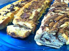 Chocolate chip on the left, Cinnamon sugar in the middle and Chocolate Babka on the right…. We all need those really fast cakes that everyone loves, and that you can always adjust it to be YO…
