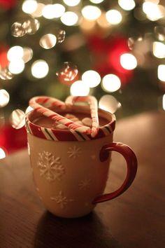Best Christmas Movies, Cosy Christmas, Christmas Feeling, Merry Little Christmas, Christmas Time, Holiday Movies, Christmas Bedroom, Xmas Wallpaper, Christmas Phone Wallpaper