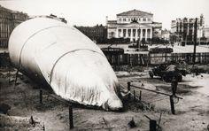 Воздушный шар на улицы Свердлова, 1941. Фото старой Москвы