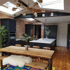 Kitchen Layout / Shaker Units / Exposed red brick & steel beams - Industrial Feel