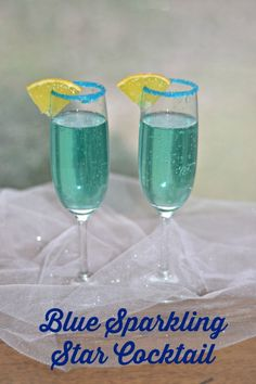 Blue Sparkling Star Cocktail is fun and delicious!