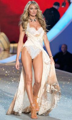 Candice Swanepoel Victorias Secret Fashion Show 2013