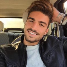 Oasis Dating - Free Online Dating - with automated matching and instant messenger communication. Mdv Style, Psycho Girl, Ideal Man, Awesome Beards, Gentleman Style, Beard Styles, Good Looking Men, Haircuts For Men, Bearded Men