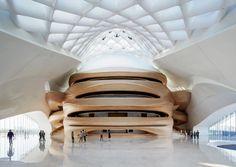 In de Chinese stad Harbin is dit jaar een van de mooiste nieuwe gebouwen van dit moment opgeleverd. Het Harbin Opera House valt op door zijn weelderige vormen en spannende rondingen.
