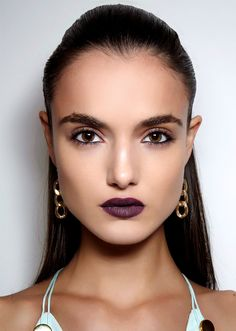 25 New Year's Eve Makeup Ideas | Port-Wine Lipstick with Bold Brows