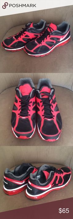 Men's Black and Red  AirMax Size 13 PreOwned Men's Black and Red  AirMax Size 13 Nike Shoes Sneakers