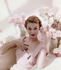 Jean Patchett <3 Vogue 1950