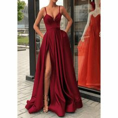 - Robes - Spaghetti Straps Black Prom Gown Long Evening Party Gown with Slit Robe De Soire. Spaghetti Straps Black Prom Gown Long Evening Party Gown with Slit Robe De Soiree - Straps Prom Dresses, Long Prom Gowns, Ball Dresses, Dance Dresses, Sexy Dresses, Long Dresses, Dress Long, Elegant Dresses, Fall Formal Dresses