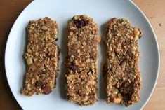 Banana Peanut Butter Granola Bars 41 Healthy Things To Eat That Are Not Salad High Protein Vegetarian Breakfast, Delicious Breakfast Recipes, Vegetarian Meals, Going Vegetarian, Granola Bars Peanut Butter, Peanut Butter Banana, Protein Powder Recipes, Protein Recipes, Protein Bars