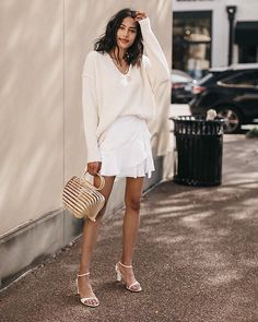 Minimalist outfit for spring. White wrap skirt with beige sweater, white strappy… Minimalist outfit for spring. White wrap skirt with beige sweater, white strappy sandals and straw bag Spring Fashion Outfits, Plaid Fashion, Look Fashion, Spring Summer Fashion, Womens Fashion, Spring Style, Spring Girl, Autumn Fashion, Fashion Trends