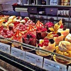 sweets obsession #sweets #cake #onthego with @petraurbanek
