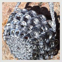 H a n n a m a i s t a: Pyöreä kukkaropussukka tölkinvetimistä Diamond, Bracelets, Jewelry, Fashion, Moda, Jewlery, Jewerly, Fashion Styles, Schmuck