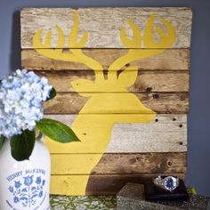 The step-by-step how-to for making your very own rustic wall art plus a free printable stag template to boot!