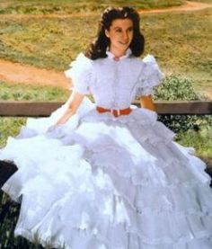Vivien Leigh in Scarlett O'Hara's white ruffle dress by Walter Plunkett Scarlett O'hara, Vivien Leigh, Divas, Movie Costumes, Cool Costumes, White Ruffle Dress, White Lace, Lace Dress, Hoop Skirt