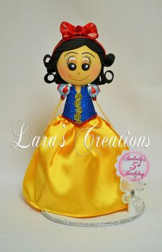 Fofucha Snow White, Foam Doll, Snow White party. Princess Snow White Centerpiece.