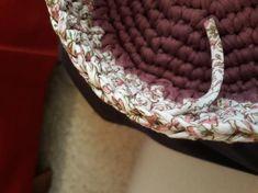 Fotonávod na háčkovaný košík z příze Biskvit s kulatým dnem Diy And Crafts, Diamond, Bracelets, Jewelry, Dime Bags, Bangles, Jewlery, Jewels, Bracelet