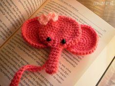 Een gratis Nederlands haakpatroon van een boekenlegger in de vorm van een olifant. Kom voor het haakpatroon van de boekenlegger naar Haakinformatie.nl