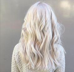Crisp white blonde hair by Marije @ Salon B, Almere | Olaplex, Wella, silver hair #whitehait