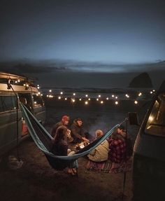 World Camping. Tips, Tricks, And Techniques For The Best Camping Experience. Camping is a great way to bond with family and friends. Camping Life, Camping Ideas, Camping Friends, Camping Crafts, Camping Hacks, Road Trip, Kayak, Summer Bucket, Summer Aesthetic