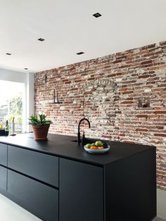 Fantastic kitchen style are readily available on our internet site. Check it out and you wont be sorry you did. Black Ikea Kitchen, Black Kitchens, Home Kitchens, Kitchen Furniture, Kitchen Decor, Kitchen Tools, Brick Wall Kitchen, Classic Kitchen, Minimalist Kitchen