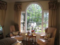 This photo gallery presents various arched window coverings. It can give you some interesting ideas about the best curved window treatments and decor for your arched or palladian window. Palladian Window, Home, Window Treatments Living Room, Arched Windows, Arched Window Coverings, Family Room, Living Room Windows, Interior Design, Blinds For Windows