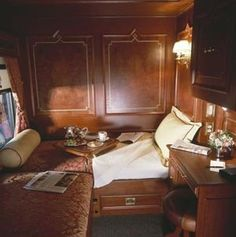 Can you believe this bedroom is on a train? Private railroad cars for rent is going to be possible later in 2016. By Train, Train Car, Train Tracks, Train Rides, Train Trip, Train Room, Orient Express Train, Simplon Orient Express, Old Trains