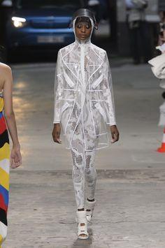 Mode à Paris S/S 2015 JEAN-CHARLES DE CASTELBAJAC. See all fashion show at: http://www.bookmoda.com/?p=39978 #modeaparis #spring #summer #ss #fashionweek #catwalk #fashionshow #womansfashion #woman #fashion #style #look #collection #paris #JEANCHARLESDECASTELBAJAC