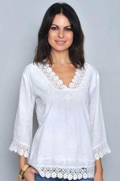 Pin on blusas Kurta Designs, Blouse Designs, Designer Kurtis, Designer Dresses, Bluse Outfit, Mode Inspiration, Sewing Clothes, Dress Patterns, Blouses For Women