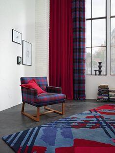 Zasłony, kolor burgund, zasłony w kratę, szkocka krata. Zobacz więcej na: https://www.homify.pl/katalogi-inspiracji/12254/kolorowe-firany-i-zaslony