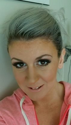 MAKEUP BY LISA Urban Decay Smokey Palette on the eyes Jane iredale and stila on face Smadshbox pout on lips