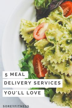 These Meal Delivery Services make meal prep a breeze! We review Martha & Marley Spoon, Blue Apron, Takeout Kit, Sun Basket, and Gobble! Find out how much each meal delivery company costs and which recipes we loved the most! #mealdeliveryservice #healthyrecipes #mealprep