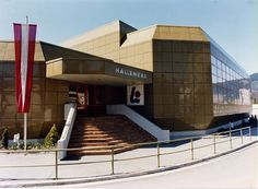 Hallenbad Leoben   Architekt Alfred Podgorschek Stairs, Mansions, House Styles, Home Decor, Childhood Memories, Homes, Stairway, Decoration Home, Manor Houses