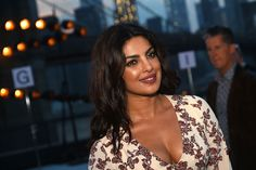 Priyanka Chorpa Sexiest Cleavage Show Ever At The New York Fashion Week 2016 In NY (HQ Bollywood Celebrity Pics) Quantico Priyanka Chopra, Actress Priyanka Chopra, Priyanka Chopra Hot, Indian Film Actress, Beautiful Indian Actress, Beautiful Actresses, Indian Actresses, Alia Bhatt Hairstyles, Images Instagram