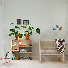 Väggfärg 555 Grön Rosenholm – 1 lit Toddler Rooms, Toddler Bed, Shared Rooms, Interior Decorating, Interior Design, Baby Room, Kids Room, Room Decor, Nursery
