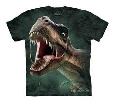 Este Tiranosaurio Rex ruge muy fuerte !!! Cuidado no te llenee de babas ... ;-))  Camiseta de algodón 100%, tintada de forma manual utilizando tintes al agua, respetuosos con el medio ambiente y la naturaleza. Ref. 30172 Precio: 18.00 € IVA incluido