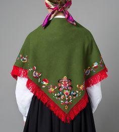 Bilde av Sjal til bunad fra Vest-Agder Folk Costume, Costumes, Scandinavian Embroidery, Norwegian Vikings, Frozen Kids, Embroidered Clothes, Traditional Dresses, Vest, Bridal Dresses