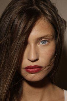 Bare Face with Red lipstick Summer Make-up bonjour hier: June 2012