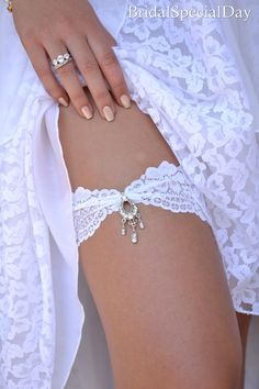 White Wedding Garter Set Stretch Lace Bridal by BridalSpecialDay, €25.00