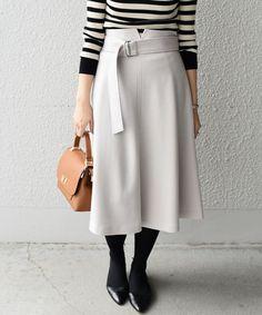 【ZOZOTOWN】SHIPS(シップス)のスカート「ハイウエストベルトスカート」(313-25-0275)を購入できます。