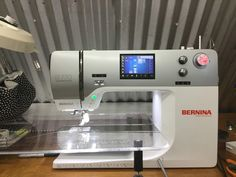 Quilting in the Blue Barn: The Bernina 770QE: My new Sometimes Friend