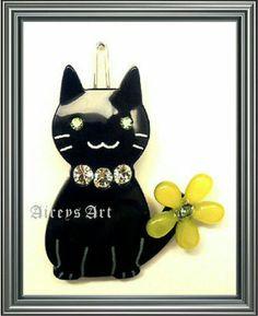 Rena Chris Paris cutie cat hair point pin in dark blue coloured with Swarovski Crystals.