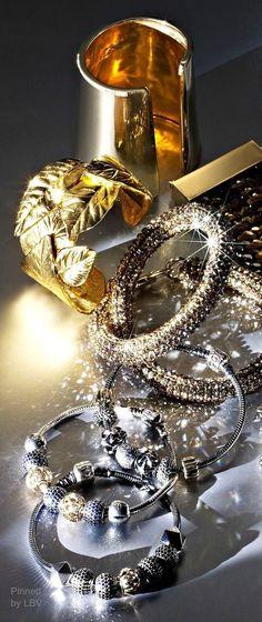 #LuxuriouslyExpensive #Luxurydotcom