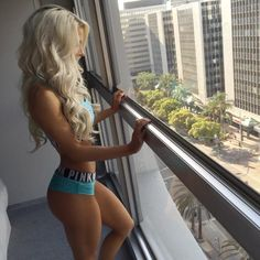 Heidi Somers is one of my fitness inspirations because, she is so down to earth and looks amazing. She has worked for the body that she has.