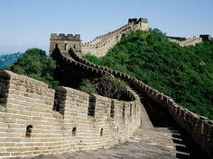 ¿Sabías que muchas de las más grandes e imponentes construcciones que ha hecho la humanidad se encuentran en China? La gran Muralla China, el Gran Canal y Tiananmen Square son algunas de estas impresionantes obras.